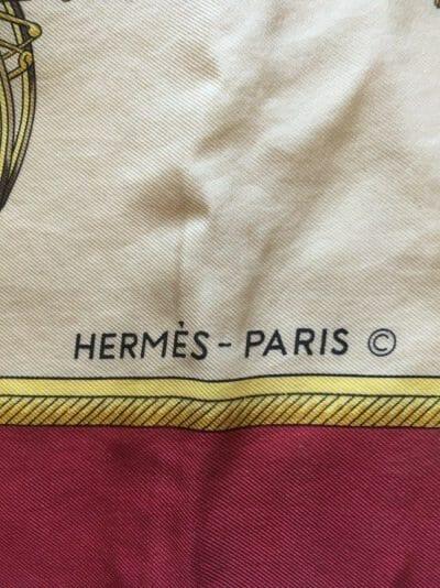 HERMÈS carré de soie