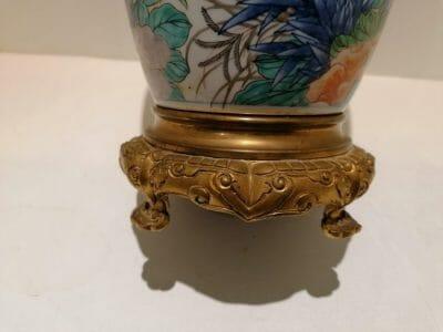Mettre en avant un vase Imari 19eme Japon original. Mis en vente sur la brocante en ligne de Castres.